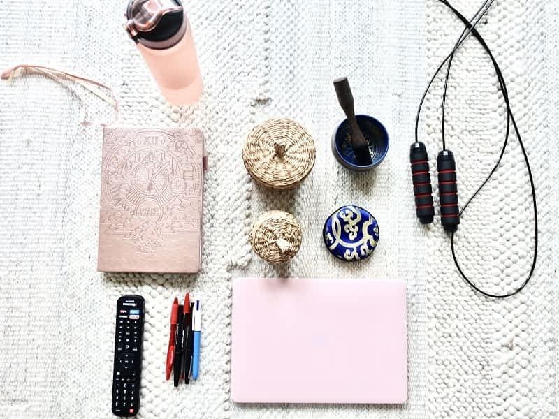 10 GENIUS WAYS TO ORGANIZE YOUR LIFE
